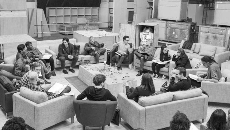episode-vii-table-read-photo-u1