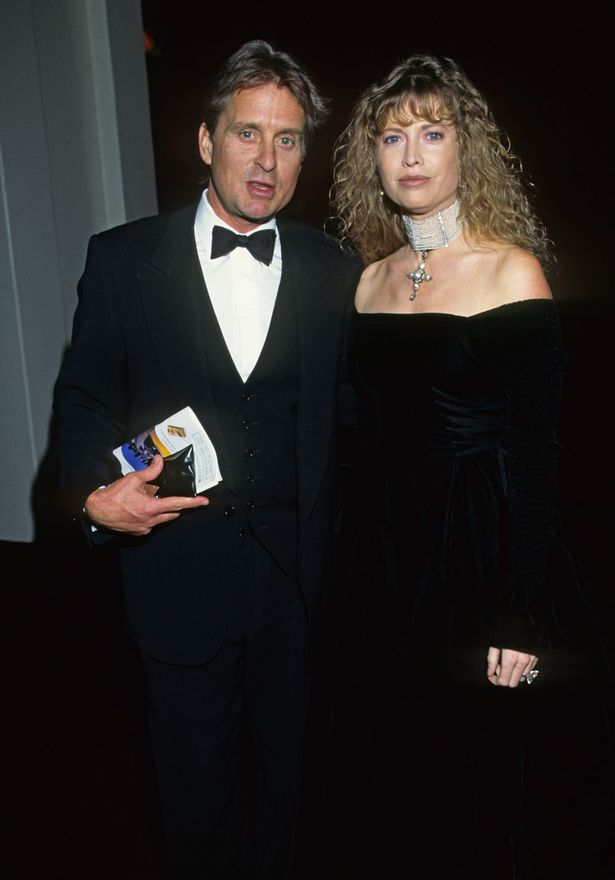 Michael-Douglas-and-Diandra-Douglas-in-1990