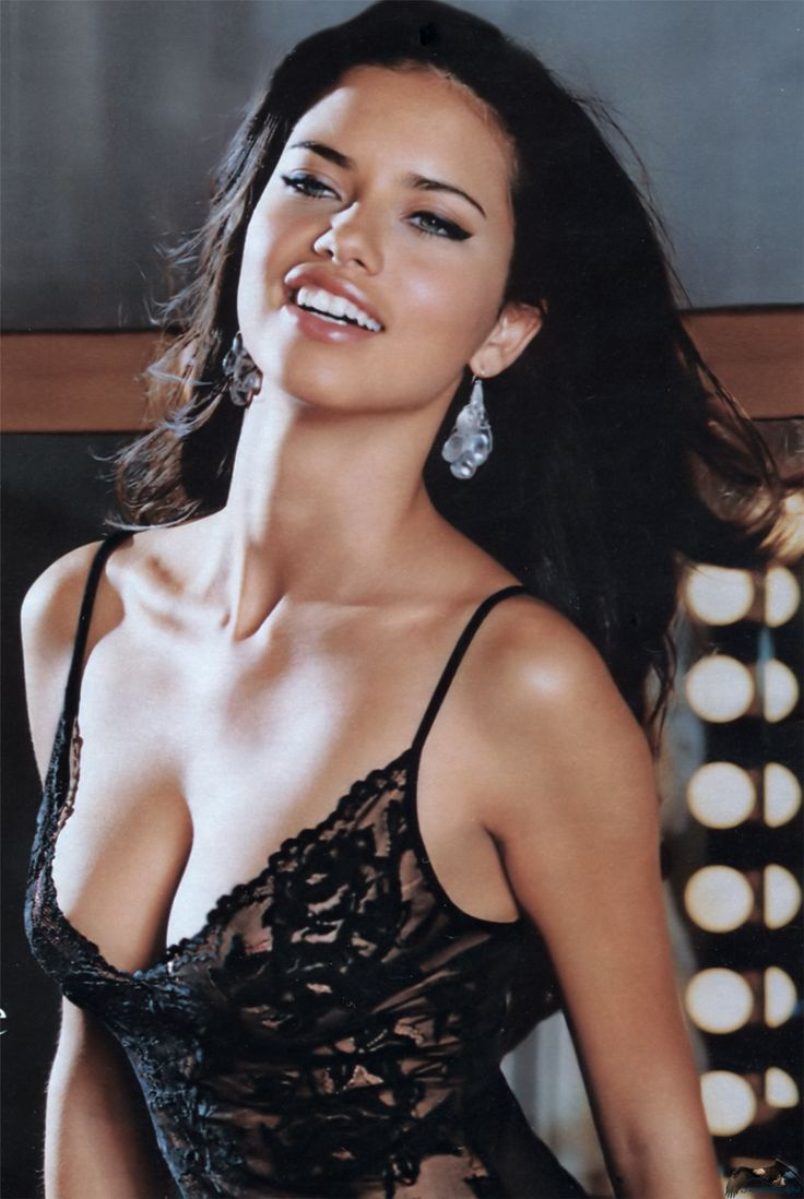 biography-of-adriana-lima-the-story-of-the-famous-model-at-a-glance-8211-1.15